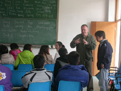 Some advice you need to know to teach English to university students in China